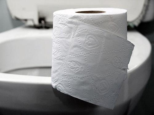 Giấy vệ sinh là một trong những yếu tố khiến hầm cầu nhanh đầy
